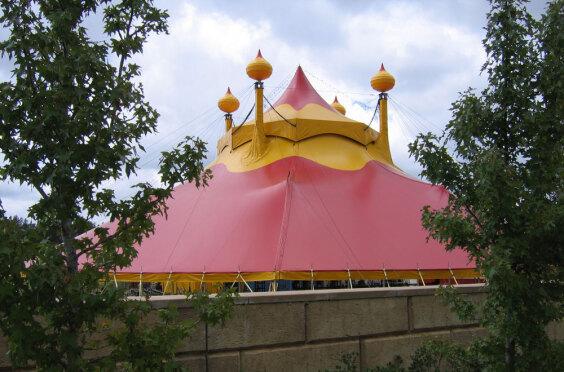 Edgley Intl. Moscow Circus   Baytex - 2